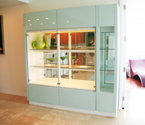 DISPLAY CABINET - Icicle Glass Fronts w/ White Matte Case