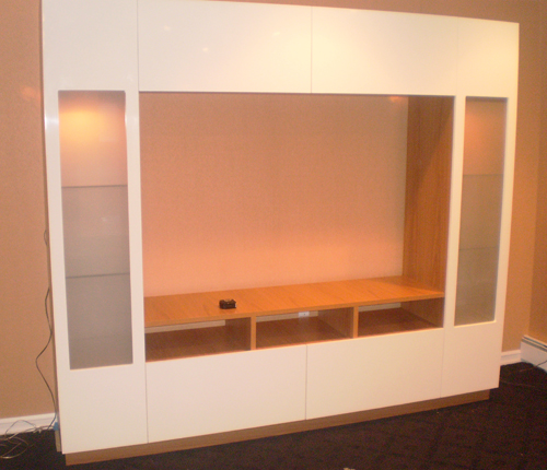 ENTERTAINMENT WALL FOR TABLE TOP TV - White Glossy Fronts w/ Honey Maple Matte Case