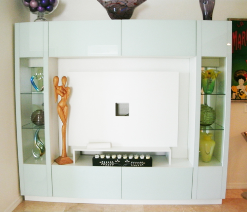 ENTERTAINMENT WALL UNIT - Icicle Glass Fronts w/ White Matte Case