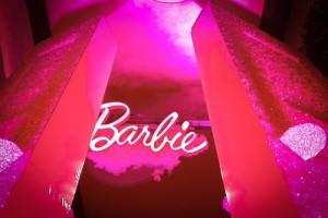 1BarbieCloset-12